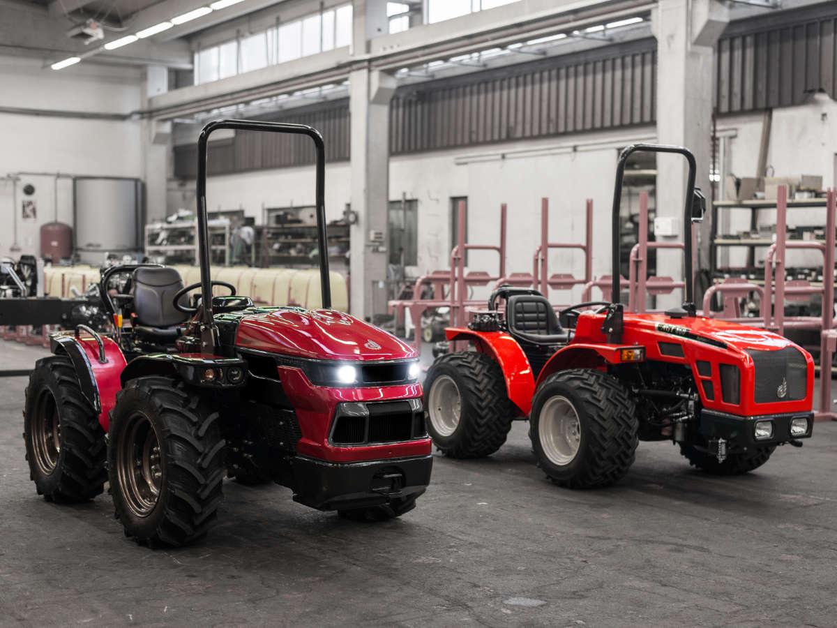 Agromehanika AGT1055 Tractor - Design by WERKEMOTION