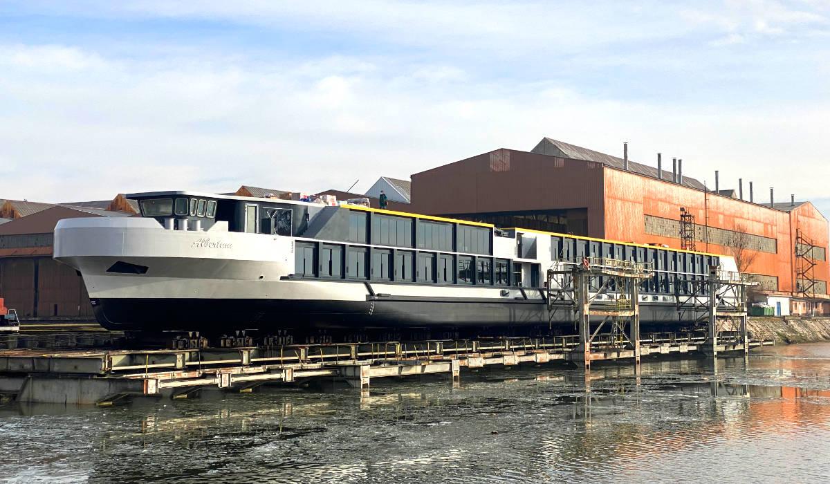 Launching Albertina River Cruiser